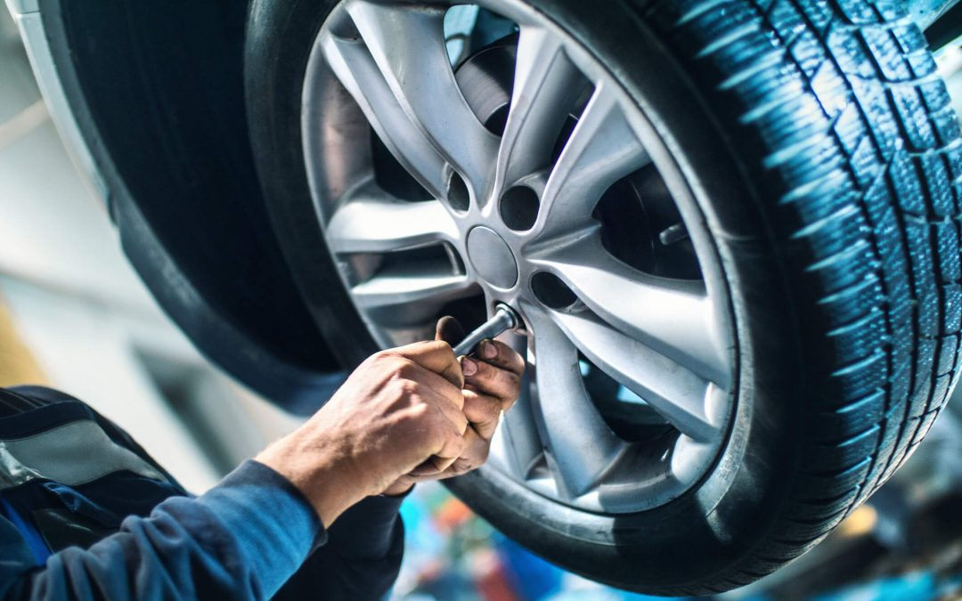 How Do You Know When You Need Tire Repair or Replacement ?